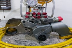 HYDRAULIC TORQUE WRENCH – LOW PROFILE & SQUARE DRIVE